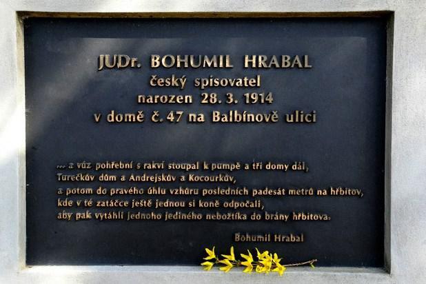Bohumil Hrabal / pamětní deska v Židenicích