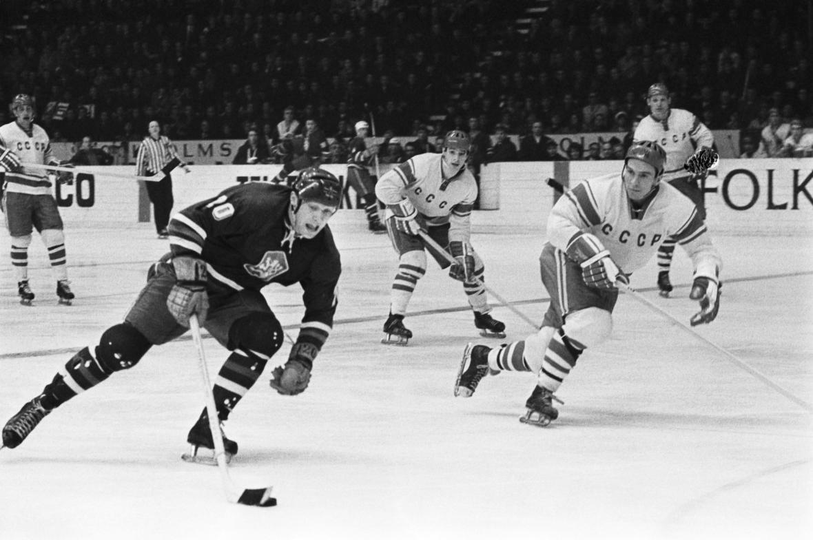 Záběr z utkání mezi ČSSR a SSSR