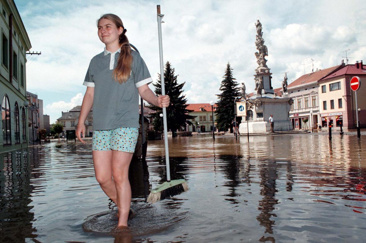 Zbytky letní povodně v centru Uherského Hradiště