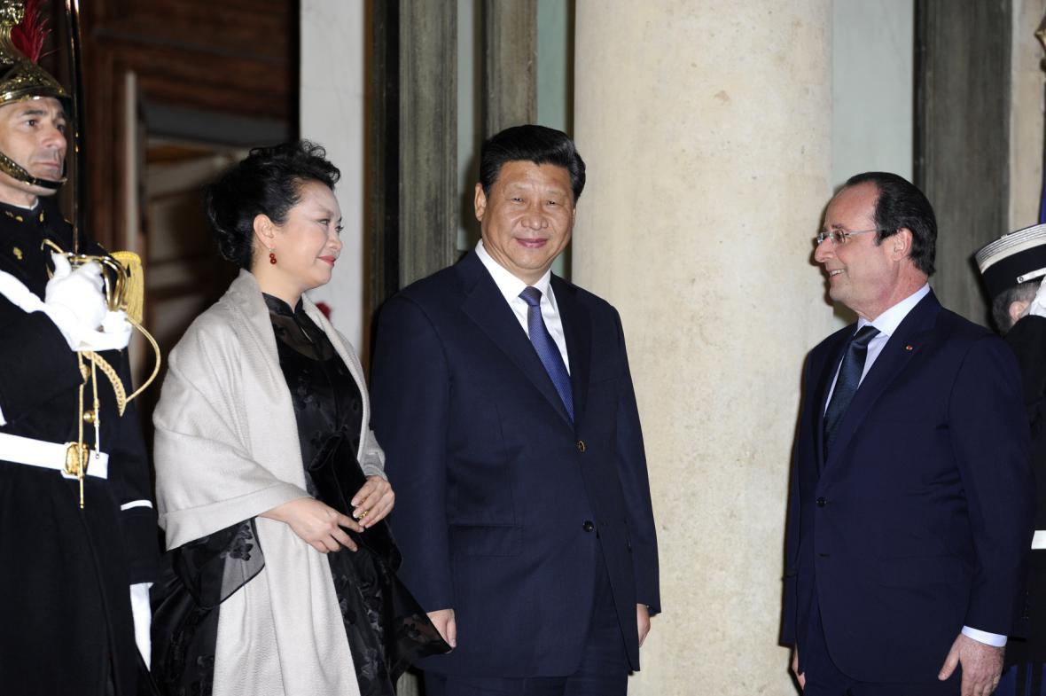 Francois Hollande a jeho čínský protějšek při setkání ve Francii