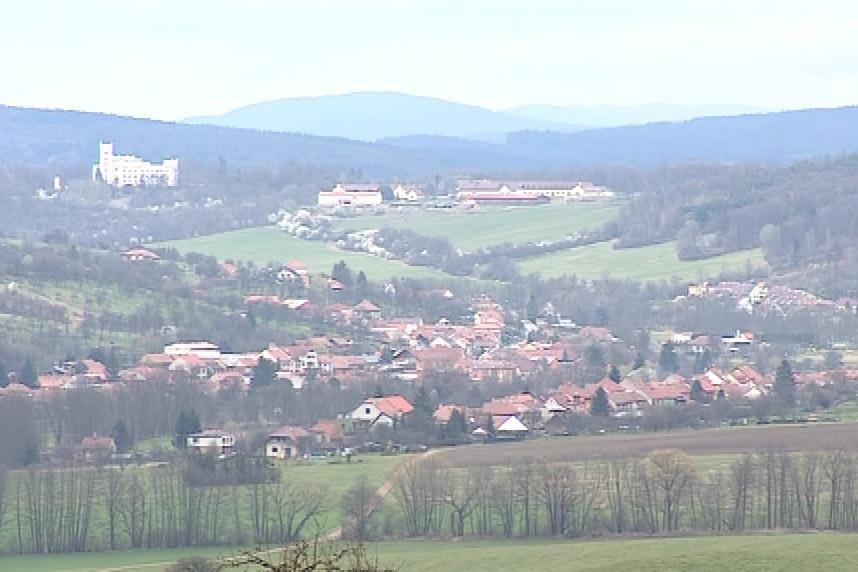 Záhorovice leží mezi Uherským Brodem a Bojkovicemi