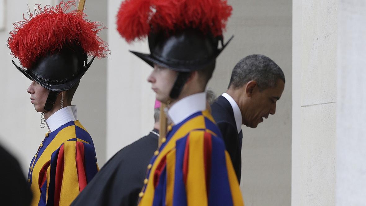 Barack Obama před setkáním s papežem Františkem
