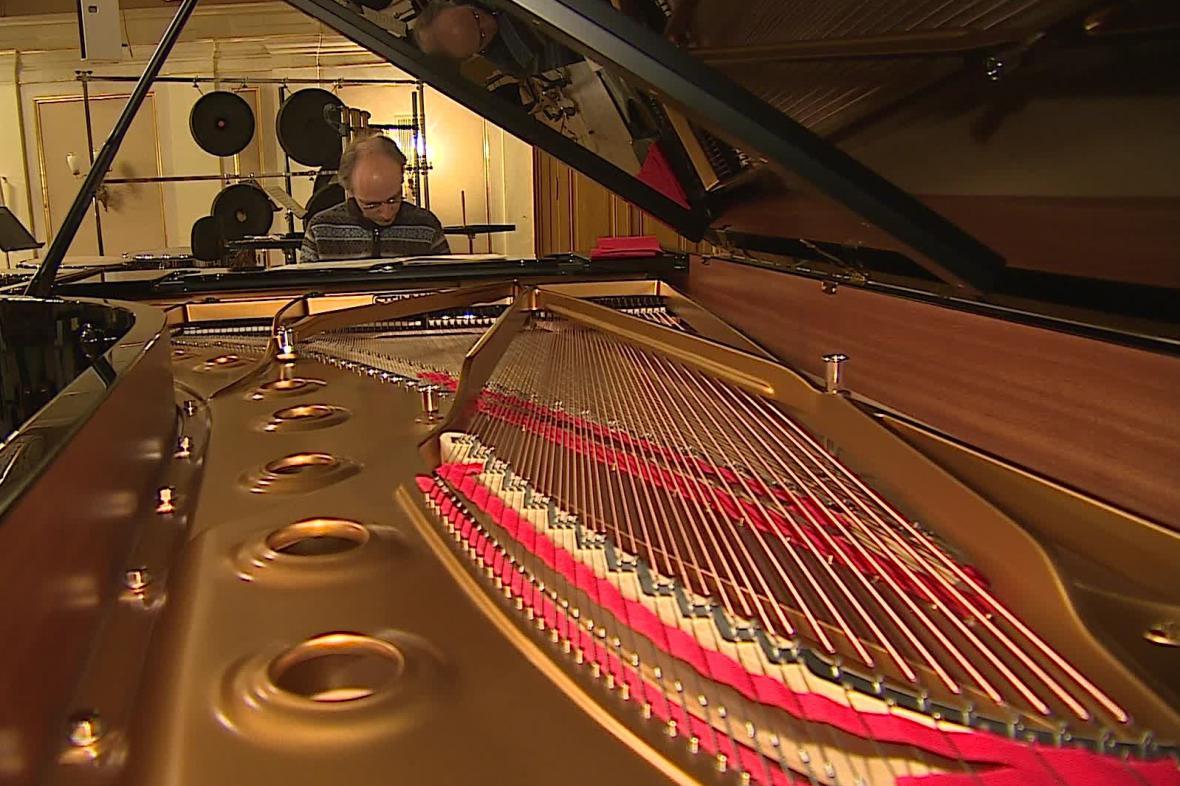 Brněnská filharmonie koupila nový klavír