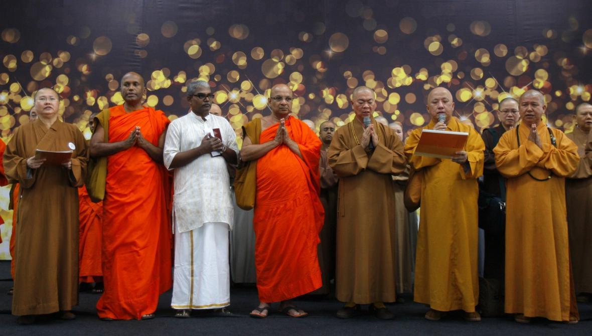 Modlitba za pasažéry zmizelého letadla v Kuala Lumpuru