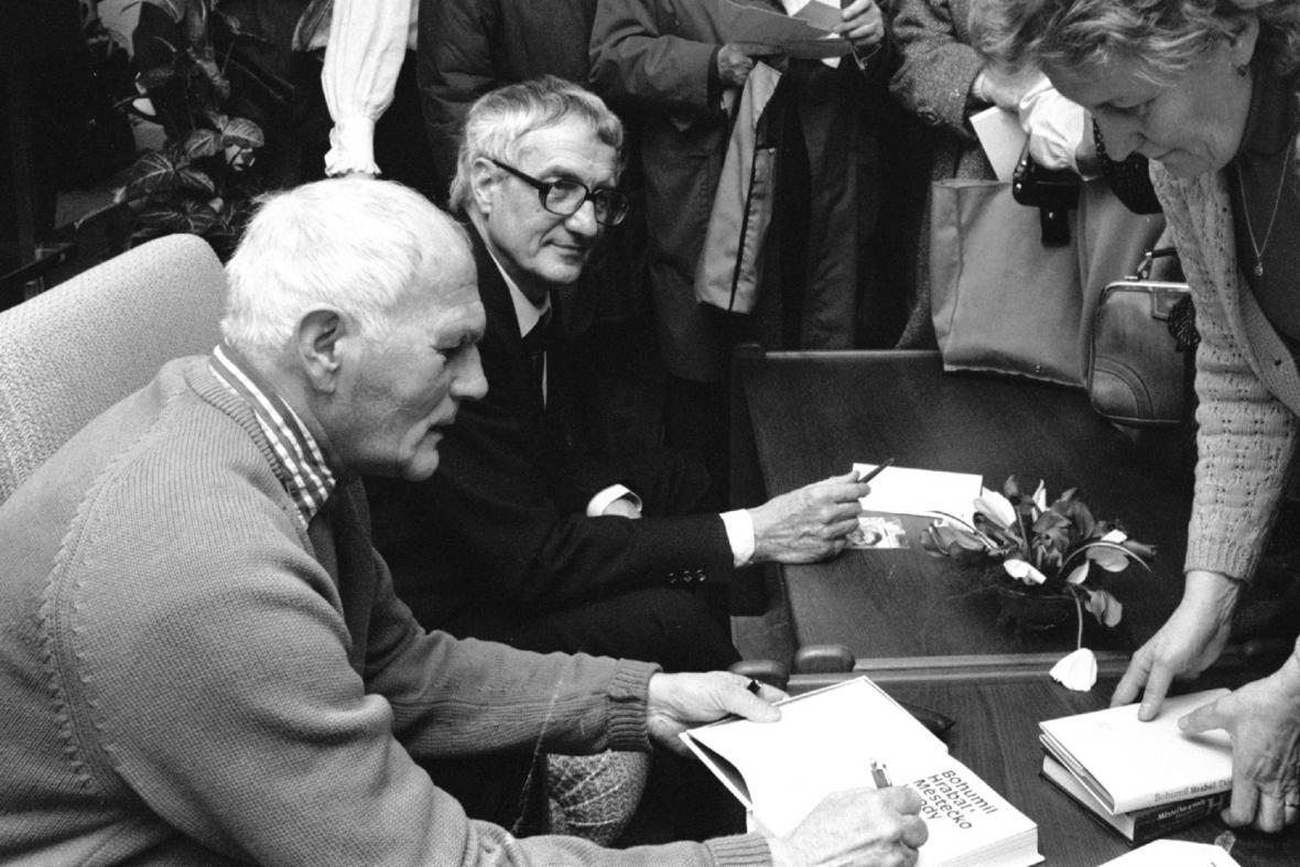 Autogramiáda Hrabala s Páralem (1988)