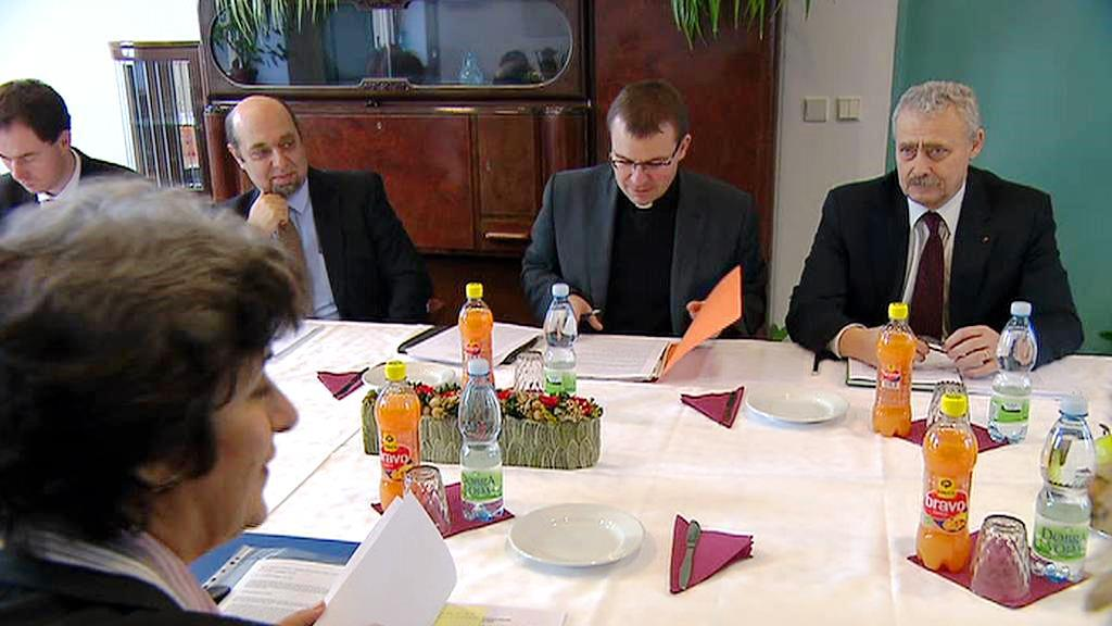 Expertní komise pro církevní restituce