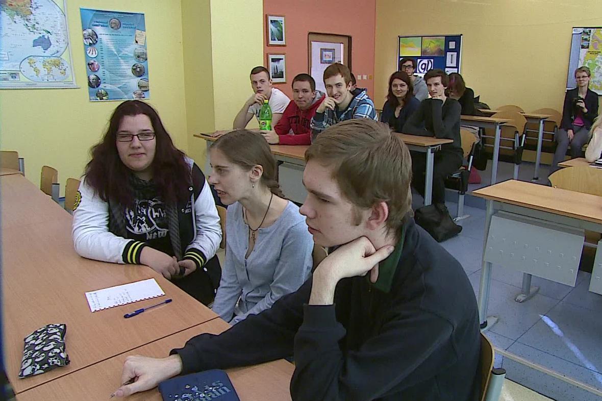 Studenti debatují o tom, co podle nich je korupce