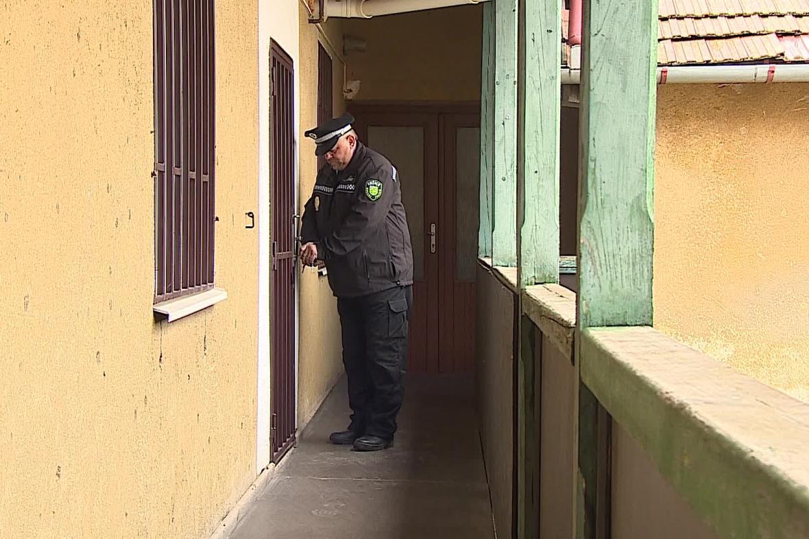 Obecní strážník má ve srovnání s policistou menší kompetence