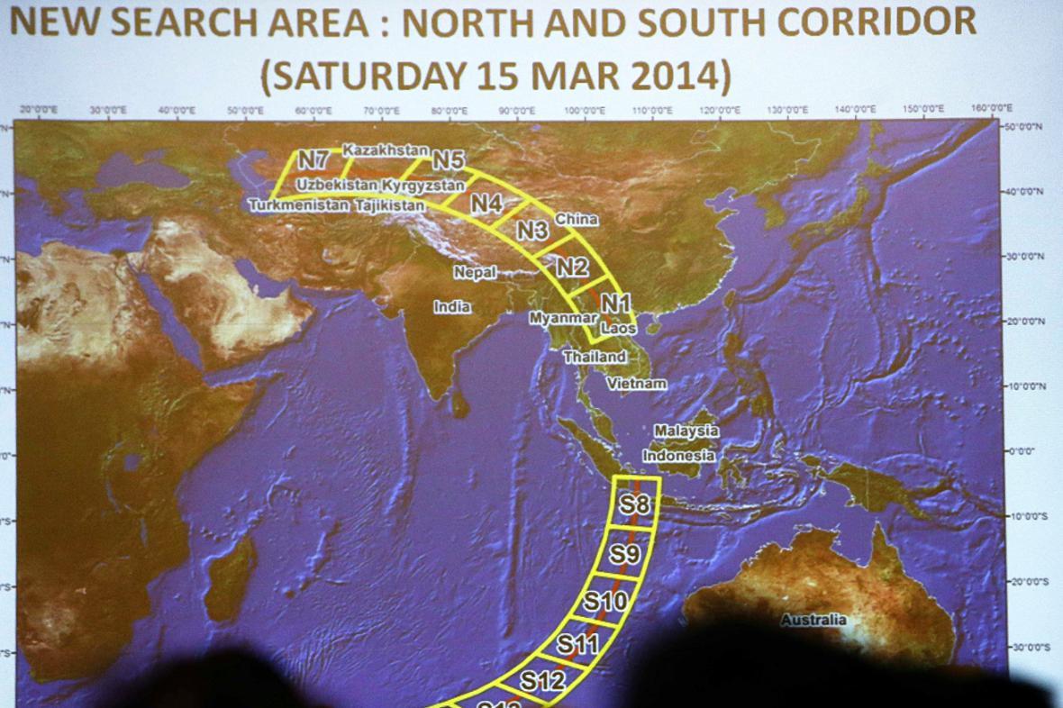 Severní a jižní koridor pravděpodobné trasy letu MH370