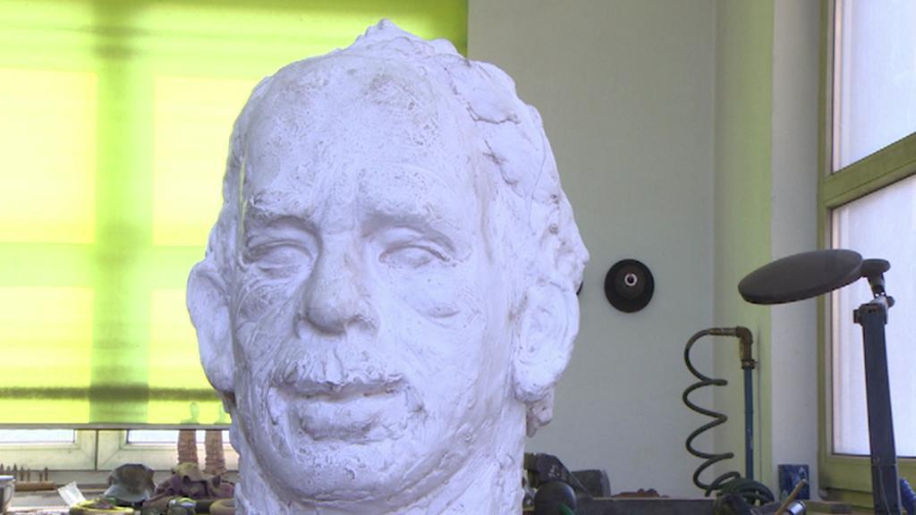 Sádrový odlitek Havlovy busty