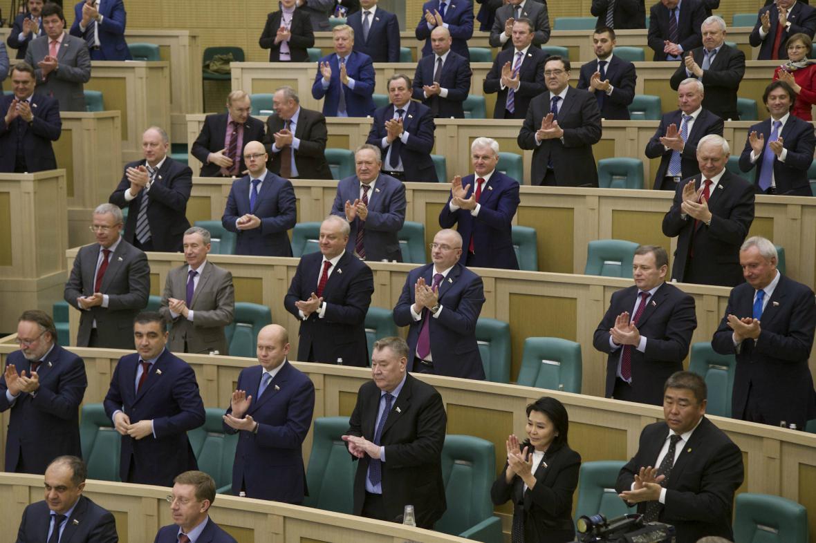 Rada federace ratifikovala smlouvu o připojení Krymu