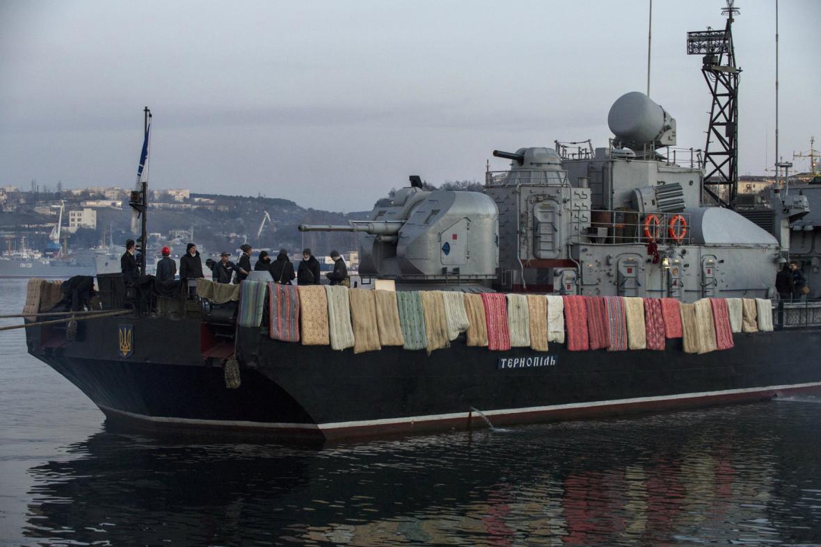 Korveta Ternopil v sevastopolském přístavu