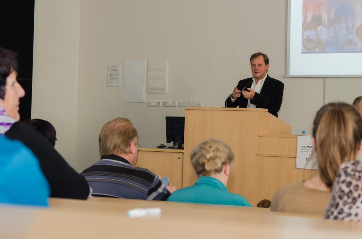 Petr Dvořák na setkání se studenty