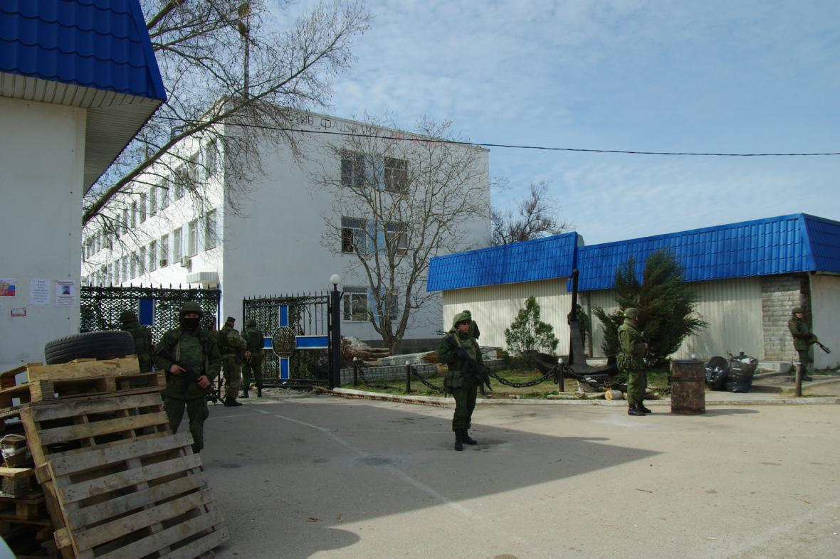 Ozbrojenci u velitelství ukrajinského námořnictva