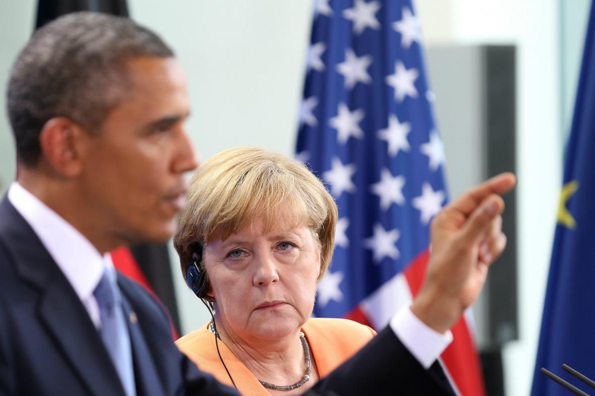 Barack Obama s Angelou Merkelovou
