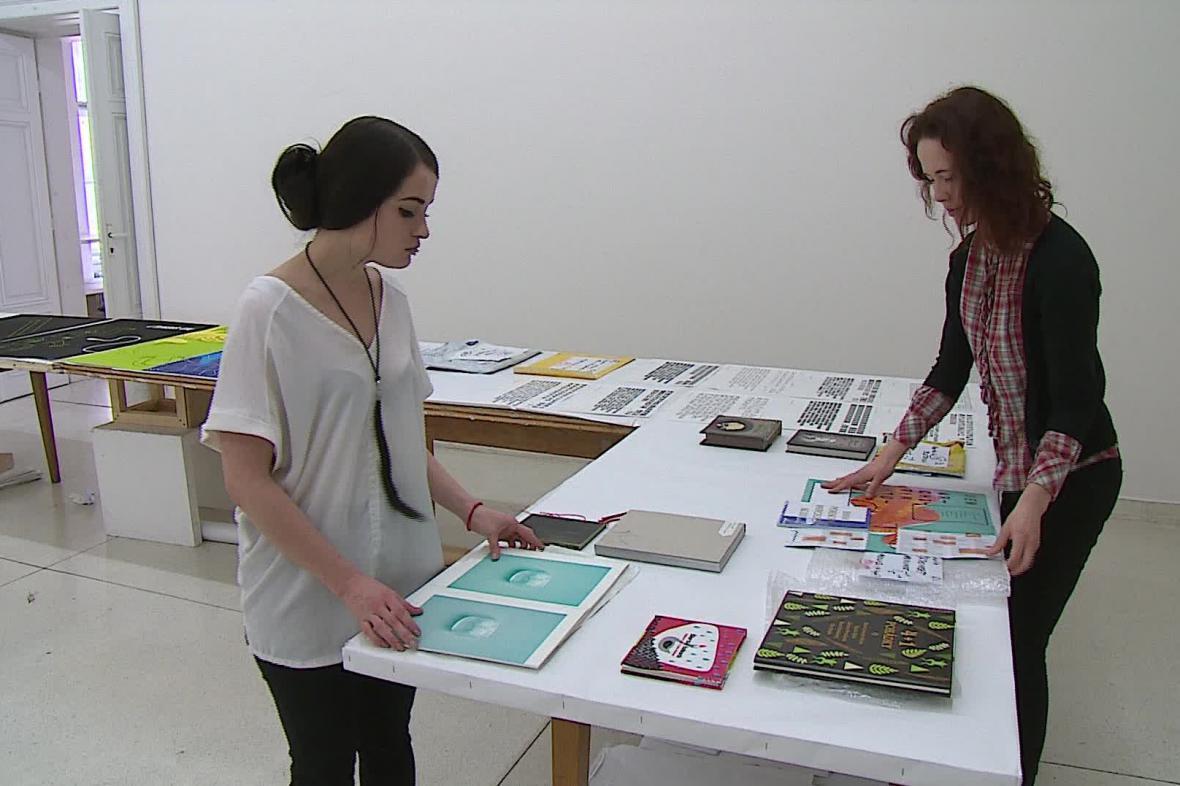 Porota vybírá grafické práce do mezinárodní přehlídky