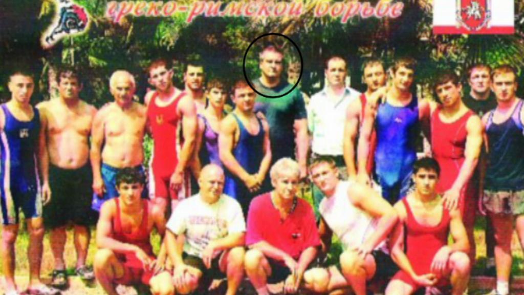 Aksjonov jako vedoucí řecko-římských zápasníků