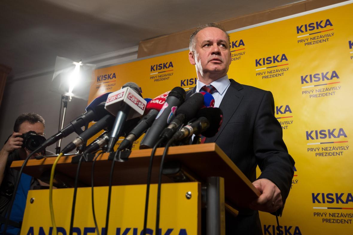 Andrej Kiska na tiskové konferenci po prvním kole prezidentských voleb