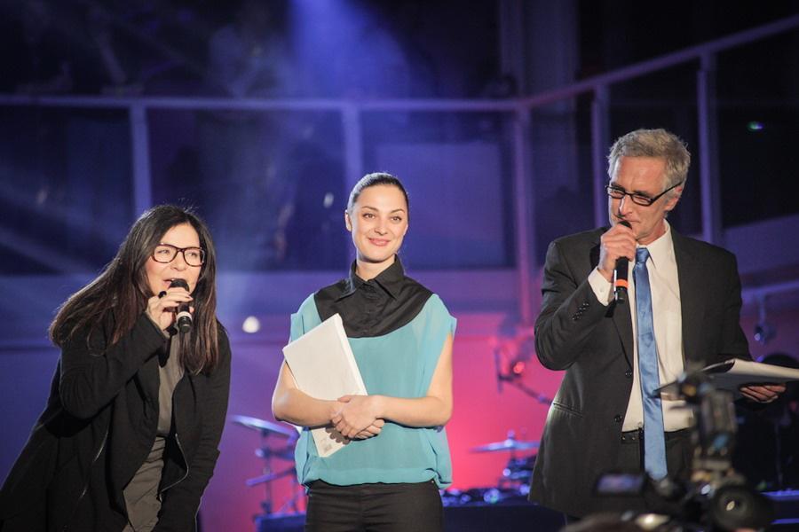 Anna K. (vlevo) s moderátory Žebříku
