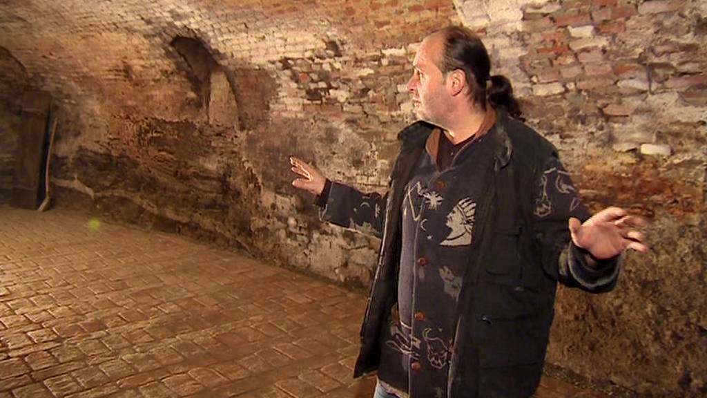 Kastelán Radim Štěpán ve sklepení kunštátského zámku
