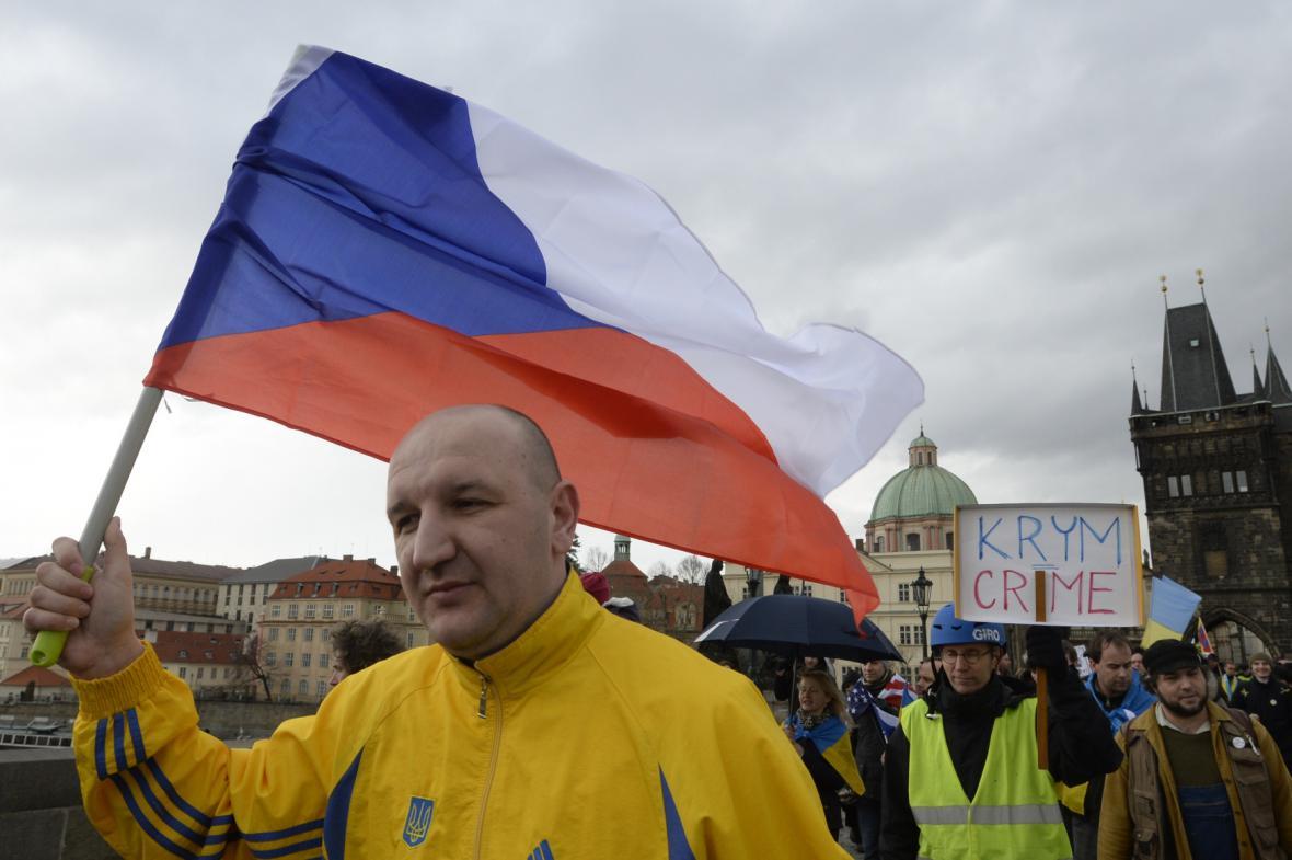 V Praze se konal pochod proti ruské intervenci na Krymu