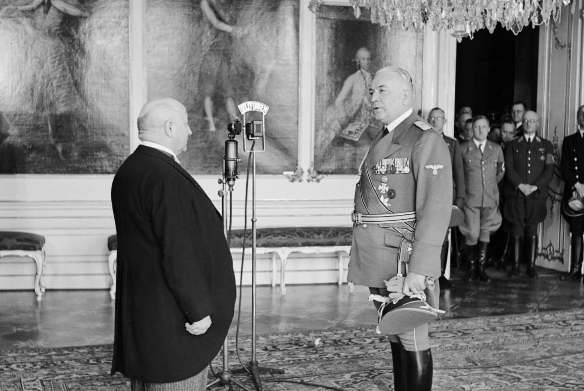 Předseda vlády Rudolf Beran (vlevo) u říšského protektora Konstantina von Neuratha (5. 4. 1939)