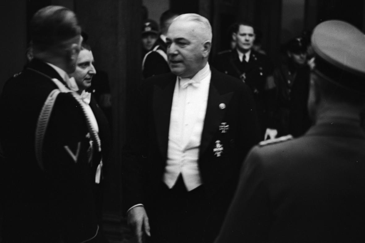 Říšský protektor Konstantin von Neurath ve Stavovském divadle v Praze, 31. 10. 1939
