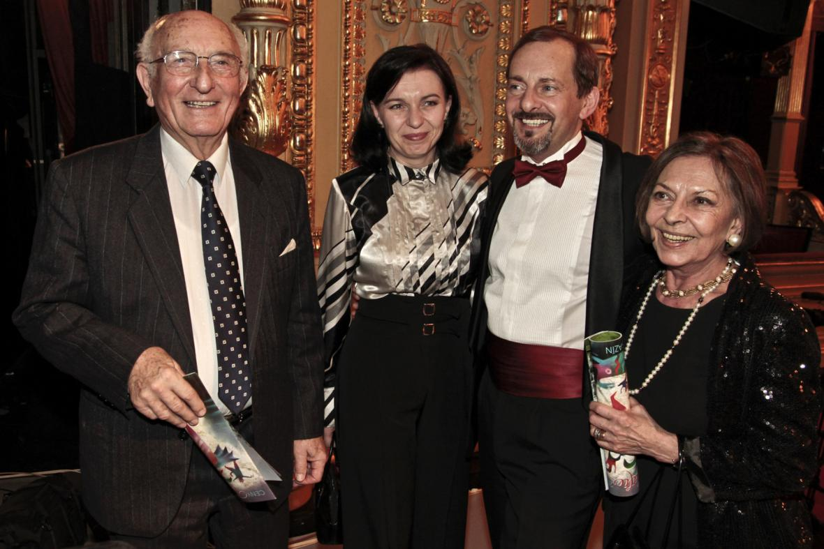 Otakar Brousek st. s rodinou