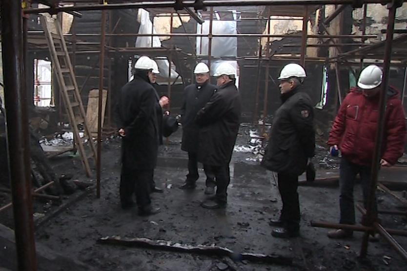 Spáleniště si prohlédl i ministr kultury Daniel Herman