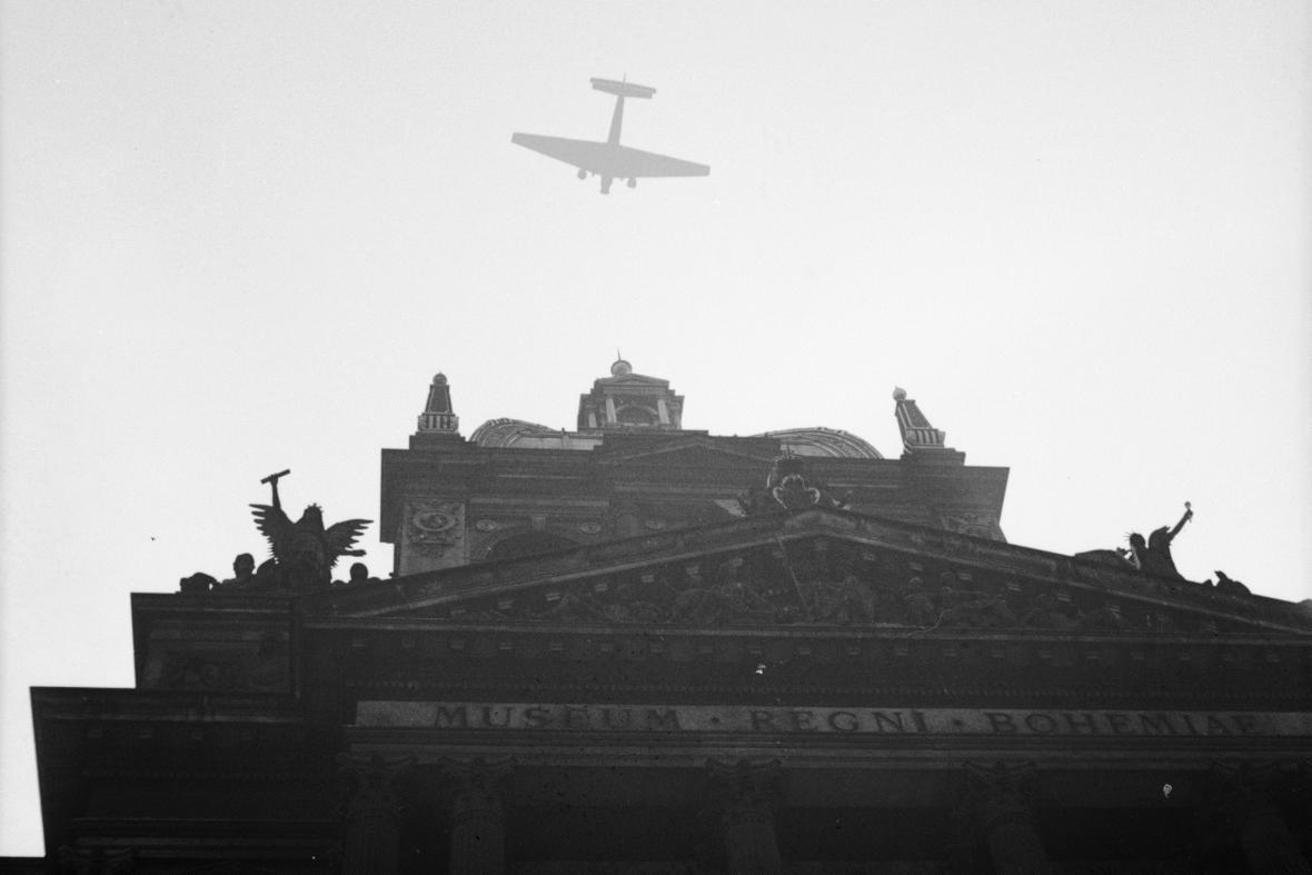 Luftwaffe nad Národním muzeem