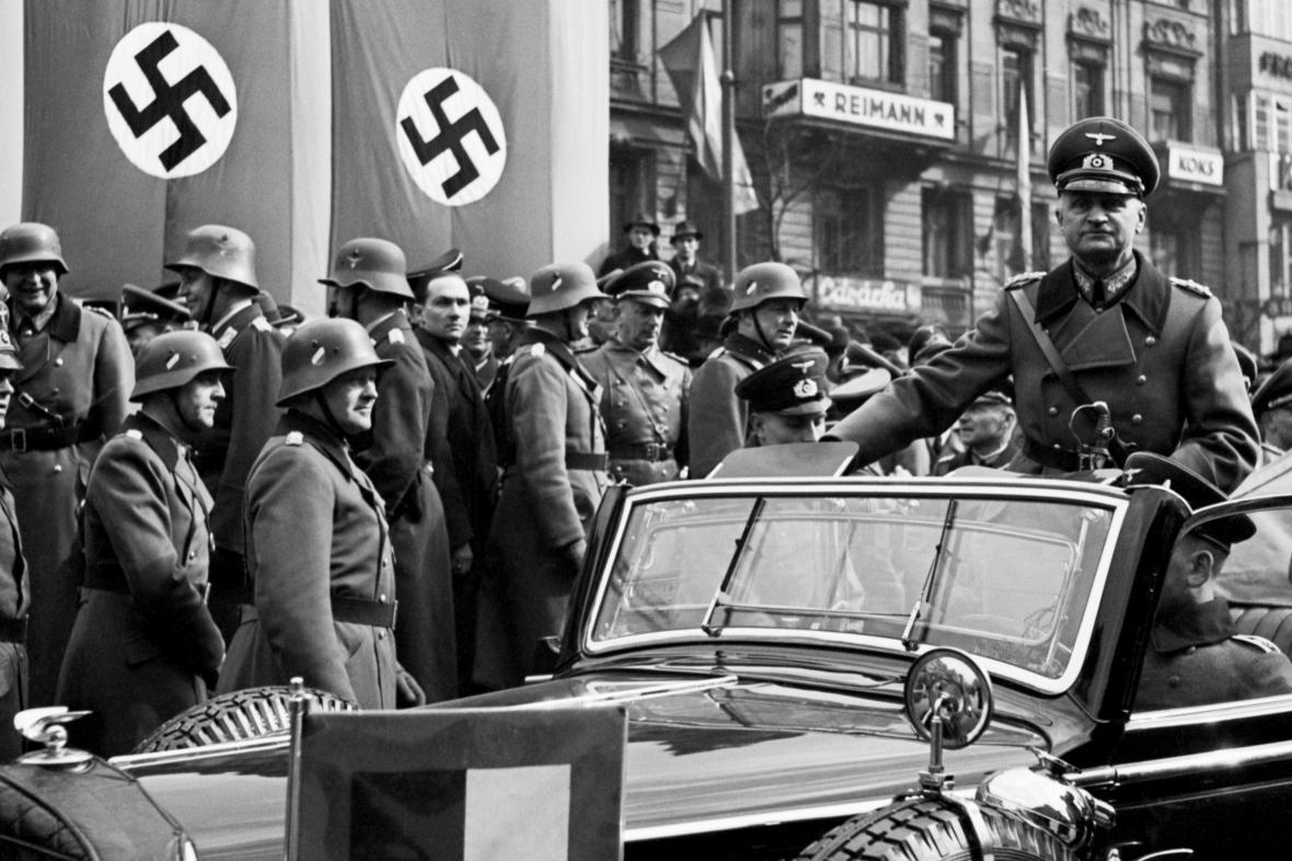 Generál Johanes Albrecht Blaskowitz při přehlídce německých okupačních vojsk