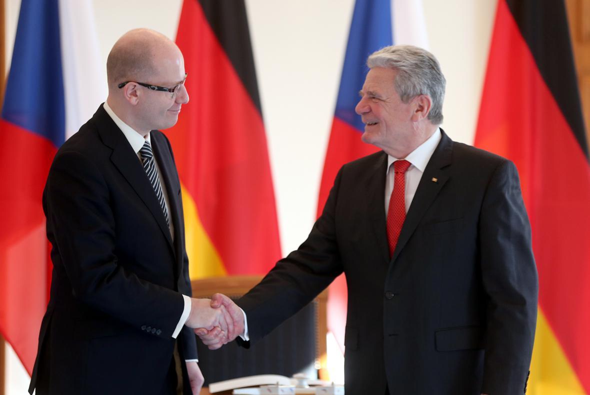 Sobotka se v Berlíně setkal s Joachimem Gauckem