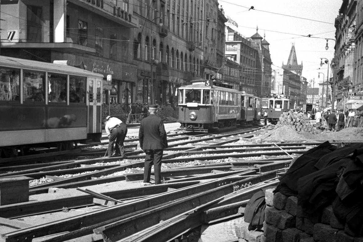 Kvůli rozsáhlé tramvajové síti mělo hlavní město odklad