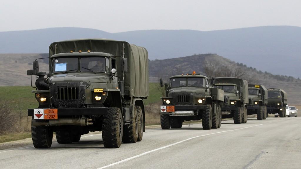 Neoznačená armádní vozidla na Krymu