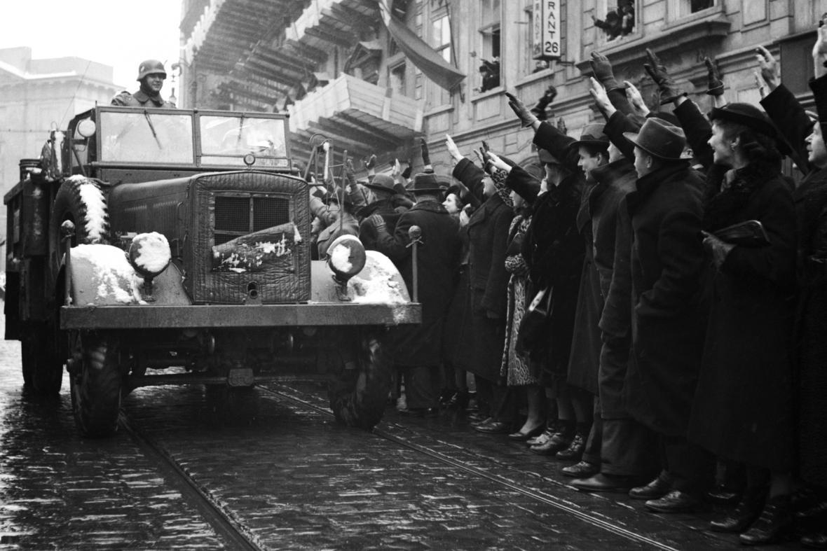 Německá okupační vojska v Praze Na příkopě