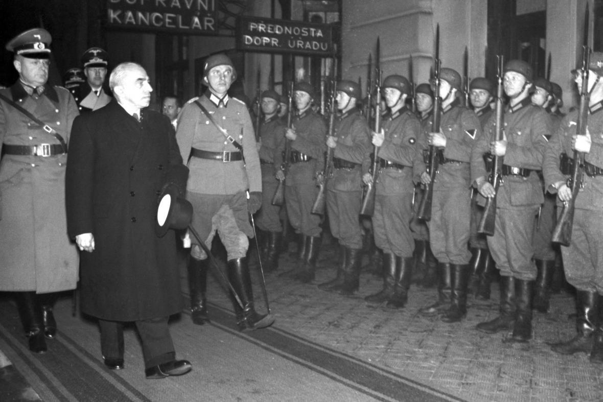 Prezident Emil Hácha se vrátil z Berlína, kde podepsal kapitulaci