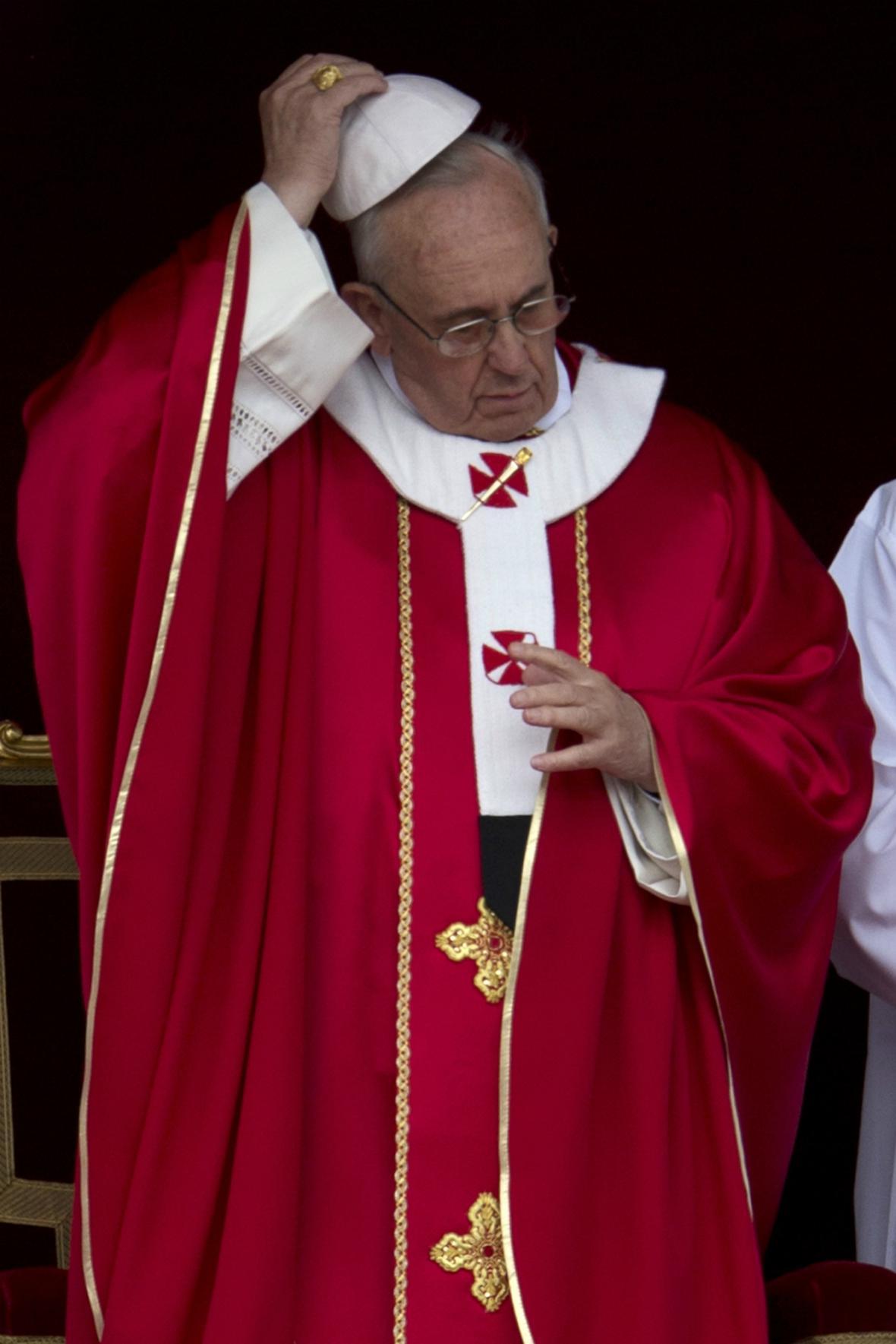 Papež František při svatodušní mši