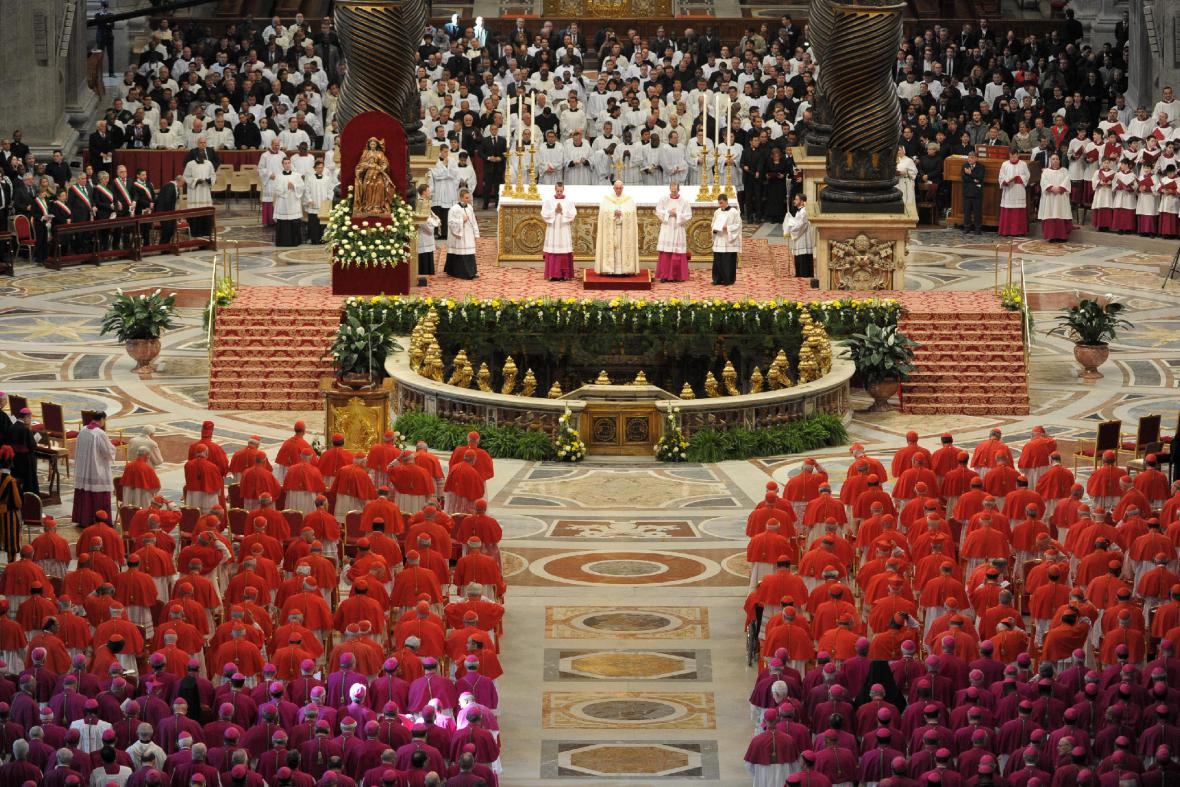 Papež František poprvé jmenoval kardinály