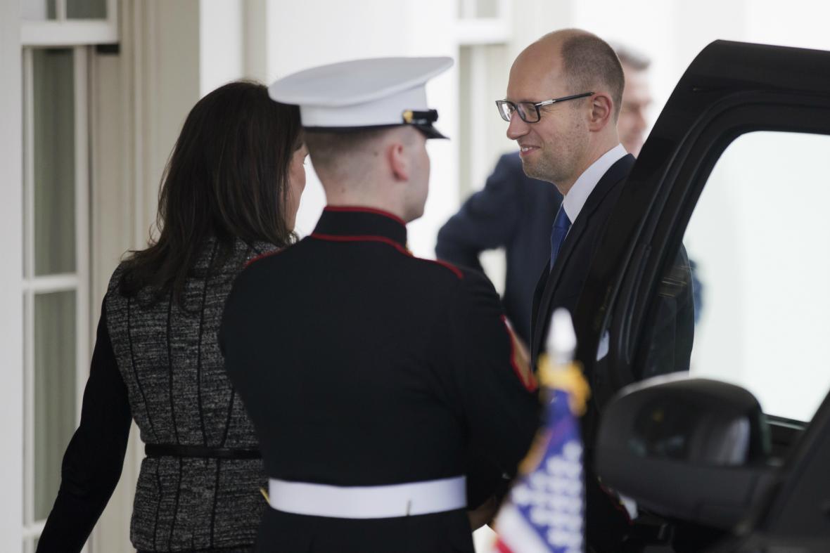 Arsenij Jaceňuk jednal s Obamou v Bílém domě