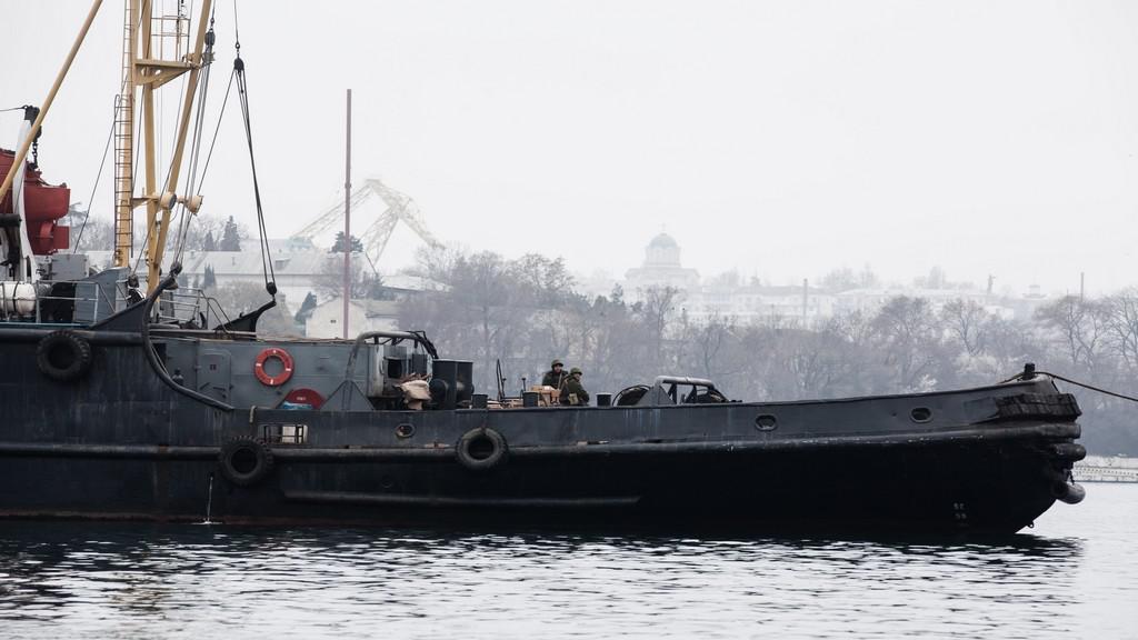 Ukrajinská flotila je v Sevastopolu blokována