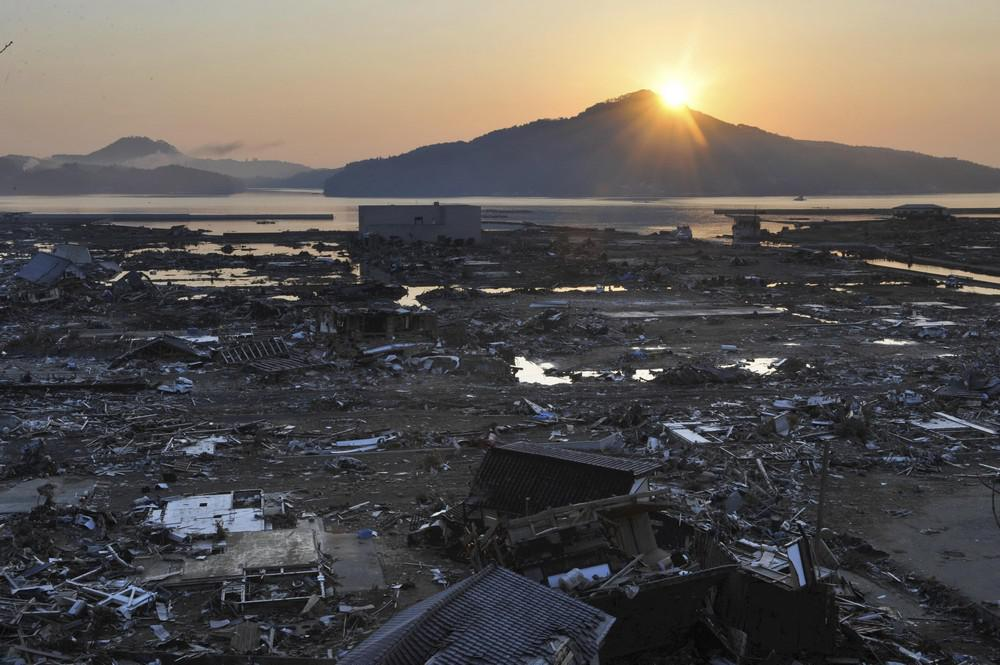 Zdevastovaná země vycházejícího slunce