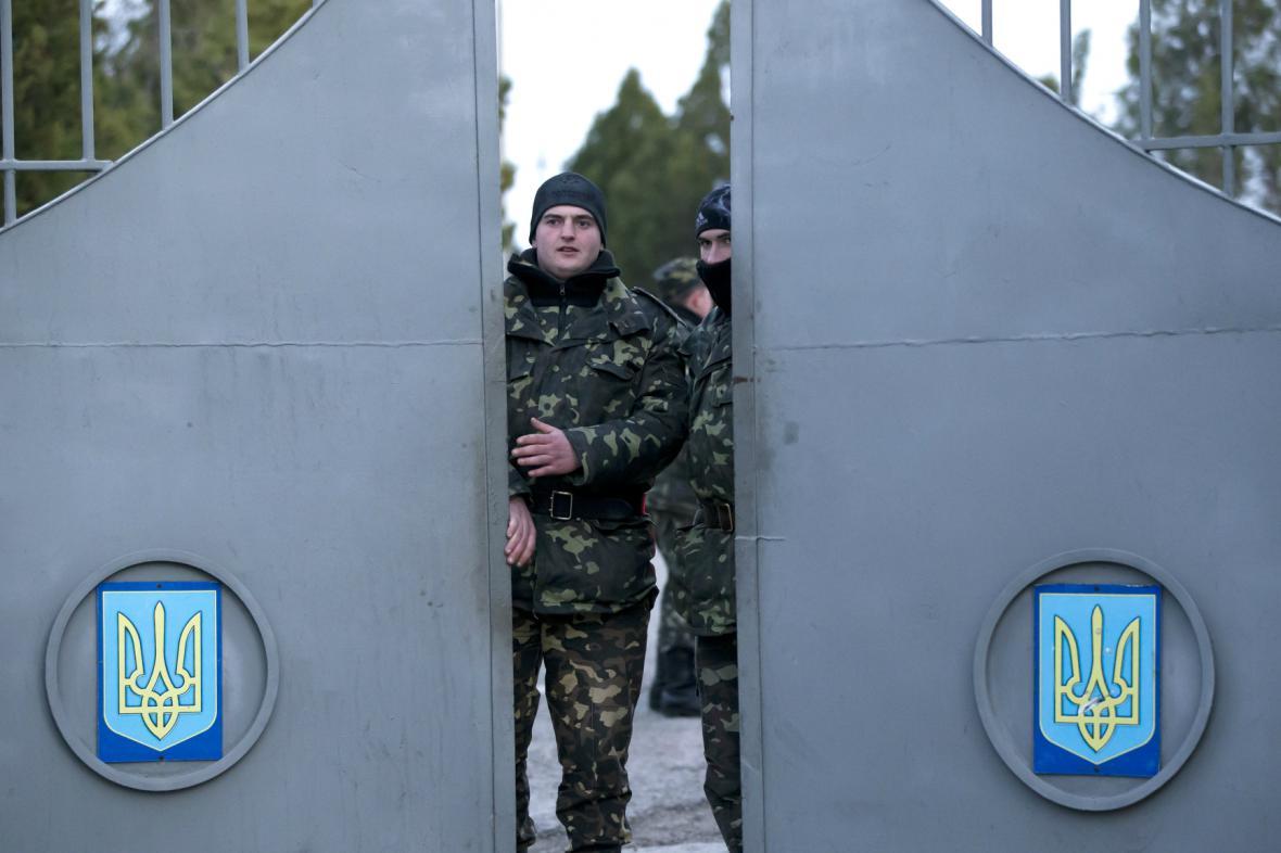 Vojáci na základně v Bachčisaraji