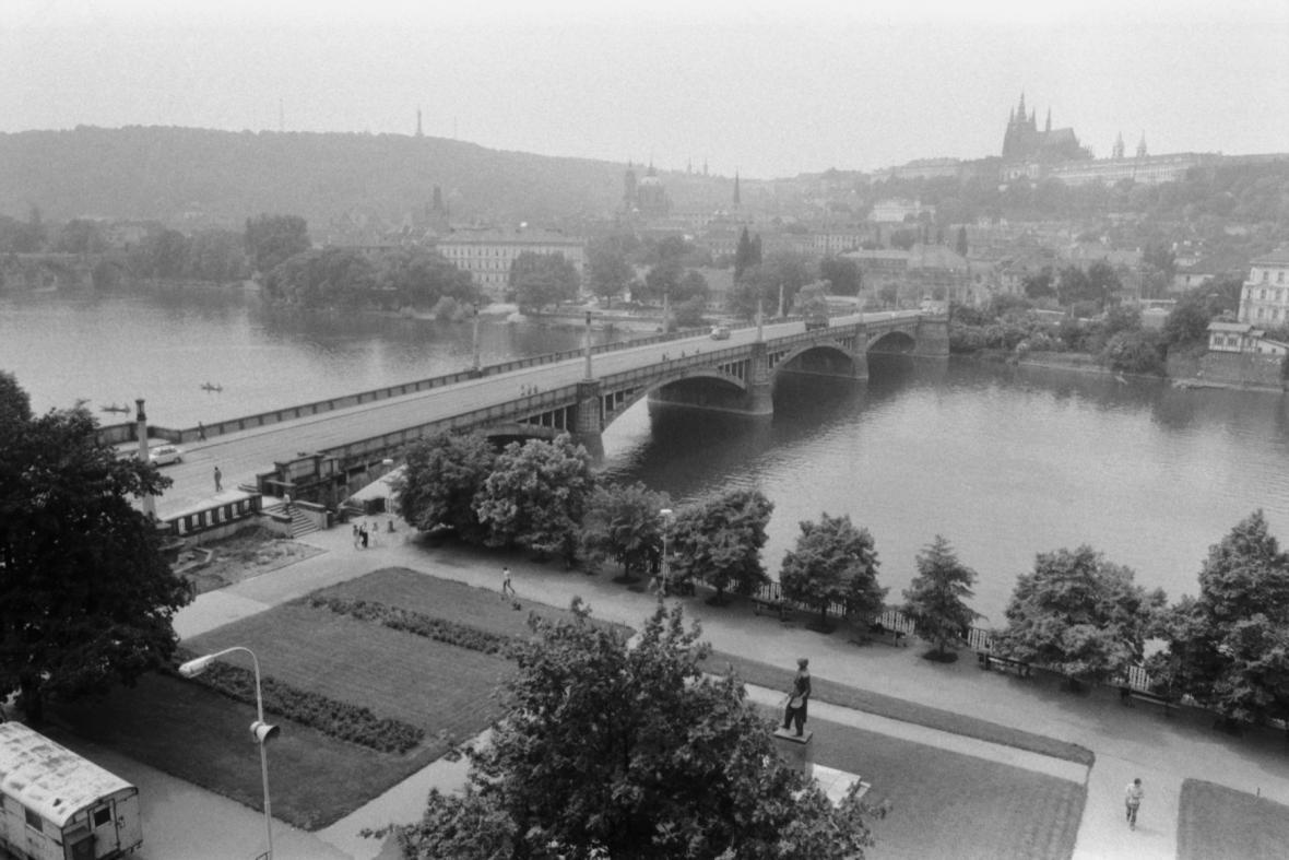 Mánesův most v roce 1983