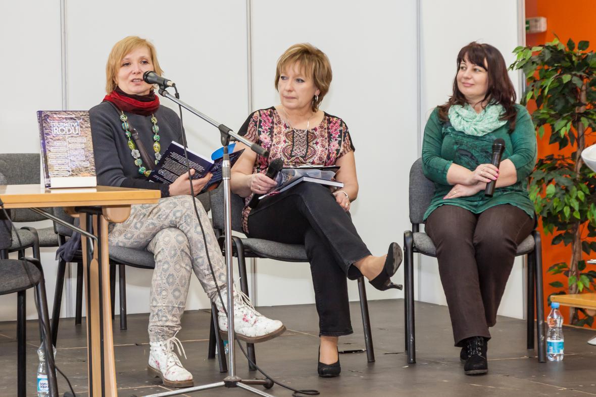 Petra Braunová, Jitka Saturková a Helena Voldánová