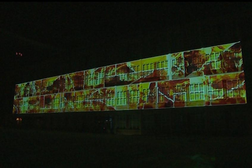 Fasáda galerie je stálou videomappingovou plochou