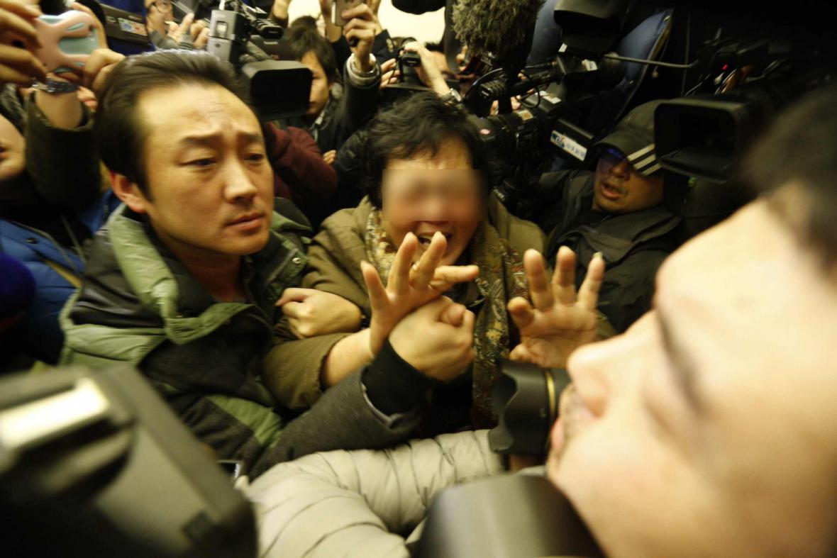 Příbuzní cestujících ze ztraceného letadla v Pekingu