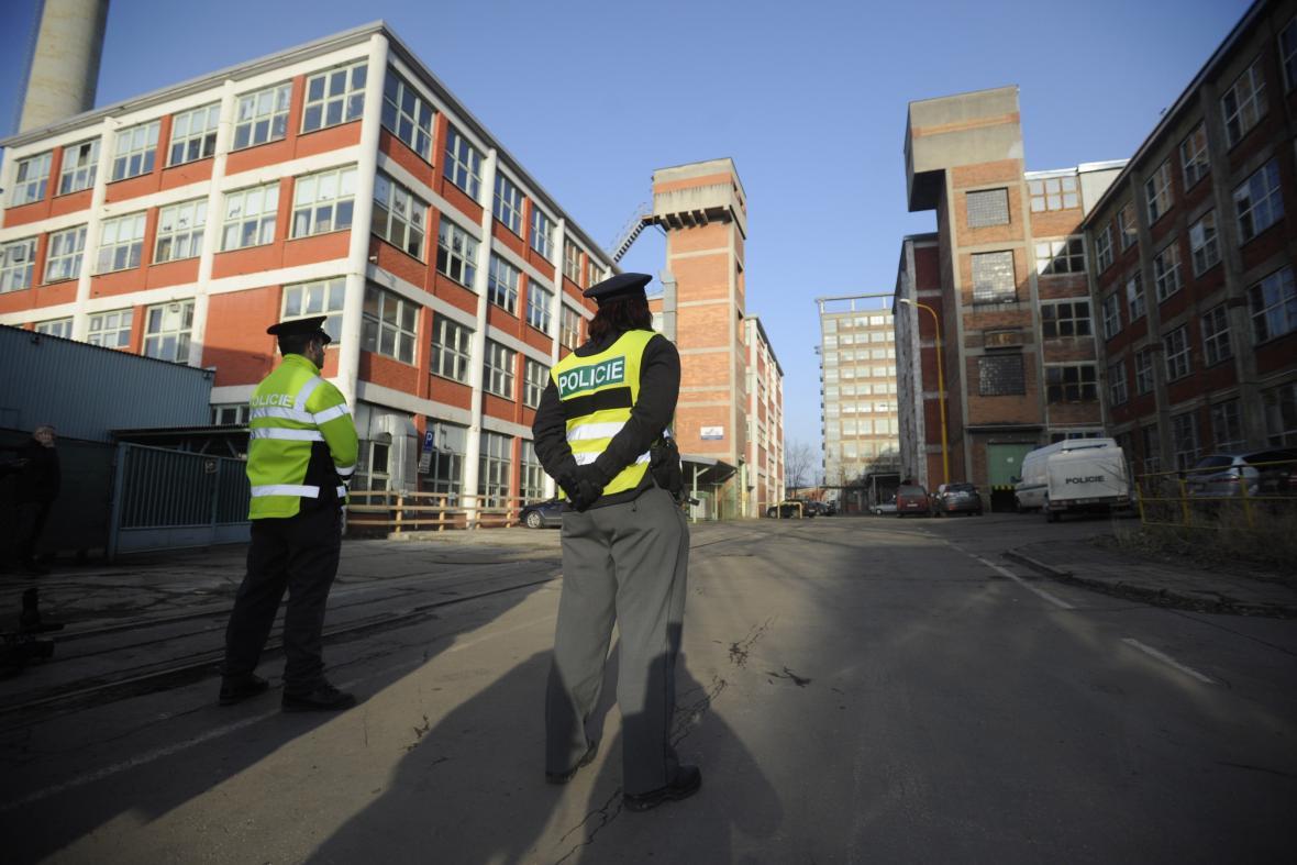 Policie zasahovala ve 45. budově zlínského areálu