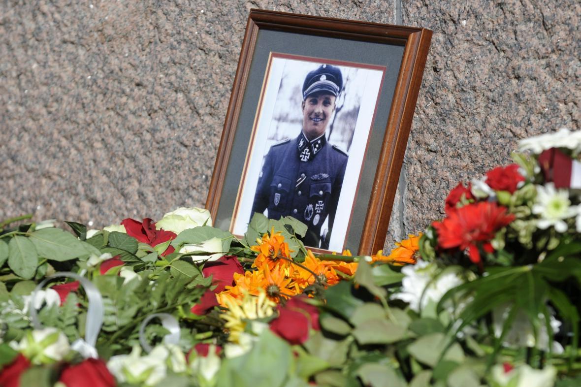 Pieta za lotyšské veterány ze zbraní SS