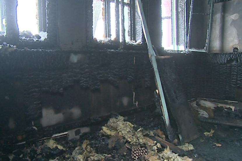 Interiér chaty Libušín po požáru