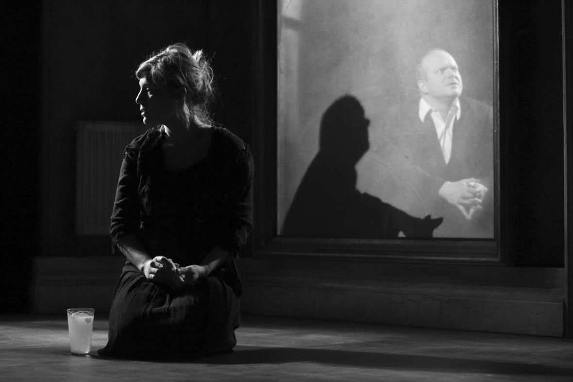 Lenka Krobotová ve hře Kafka '24